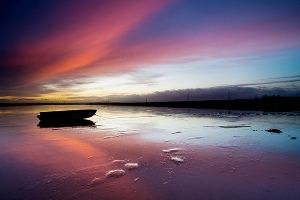 http://www.robertcanis.com/blog/wp-content/uploads/2014/02/sunrise_oare_kent-001.jpg